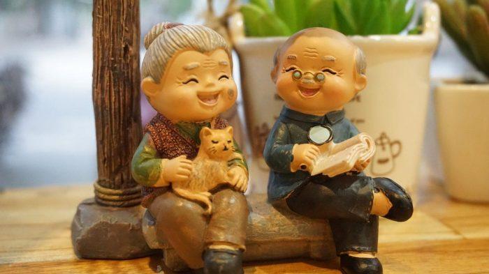 grandparents-3436463_1920